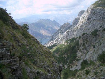 In den Bergen ueber der Bucht von Kotor