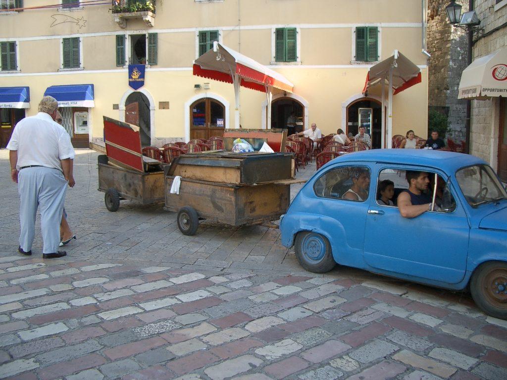 Monte Negro - in den Straßen von Kotor 2004