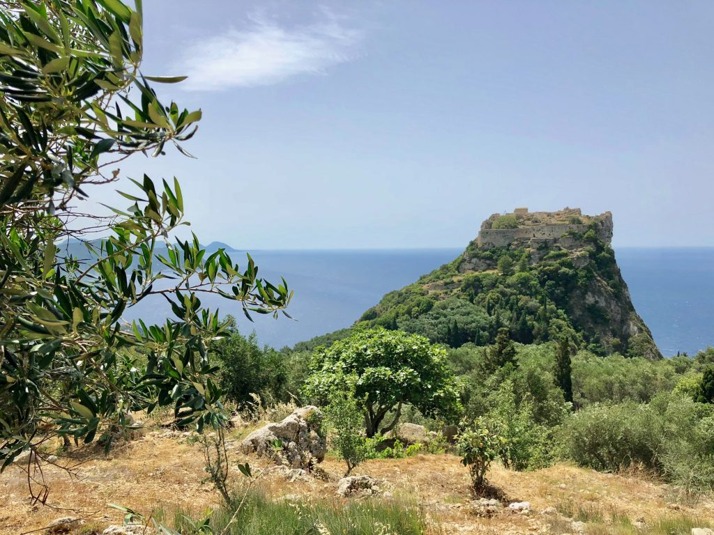 Blick auf Angelokastro Korfu
