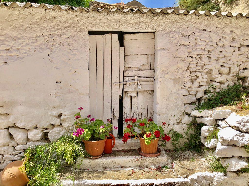 Auf dem Korfu Trail durch griechische Oertchen