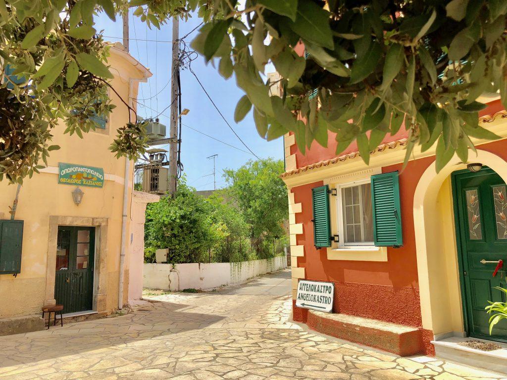 Korfu Wandertour durch huebsche griechische Doerfchen