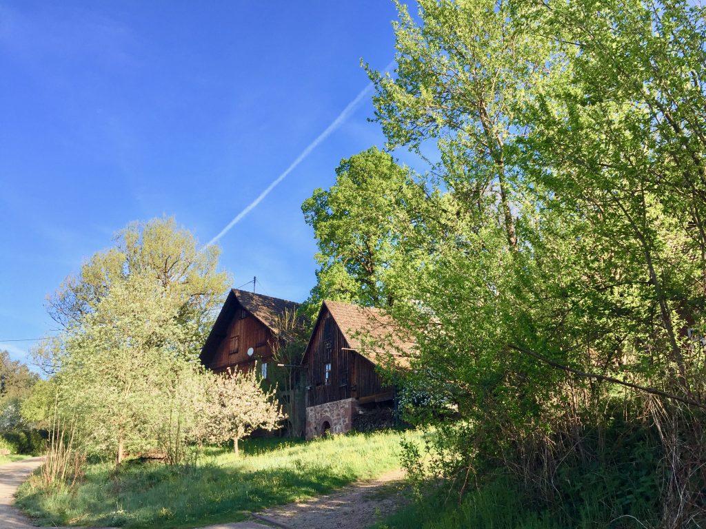 Einsame Bauernhaeuser im Schwarzwald