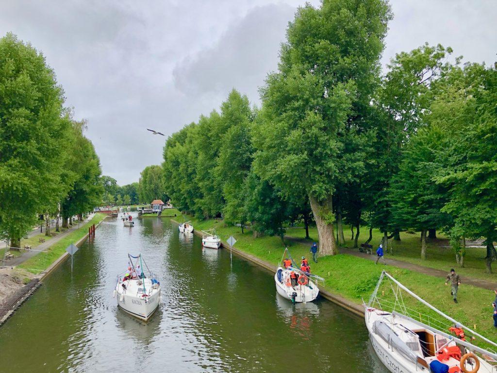Kanal mit Drehbruecke (Loetzen)