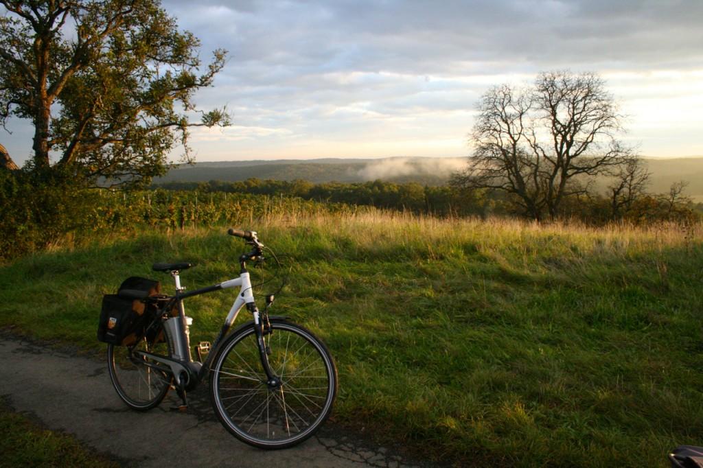 Mit dem E-Bike unterwegs - Natur und Ausblicke genießen