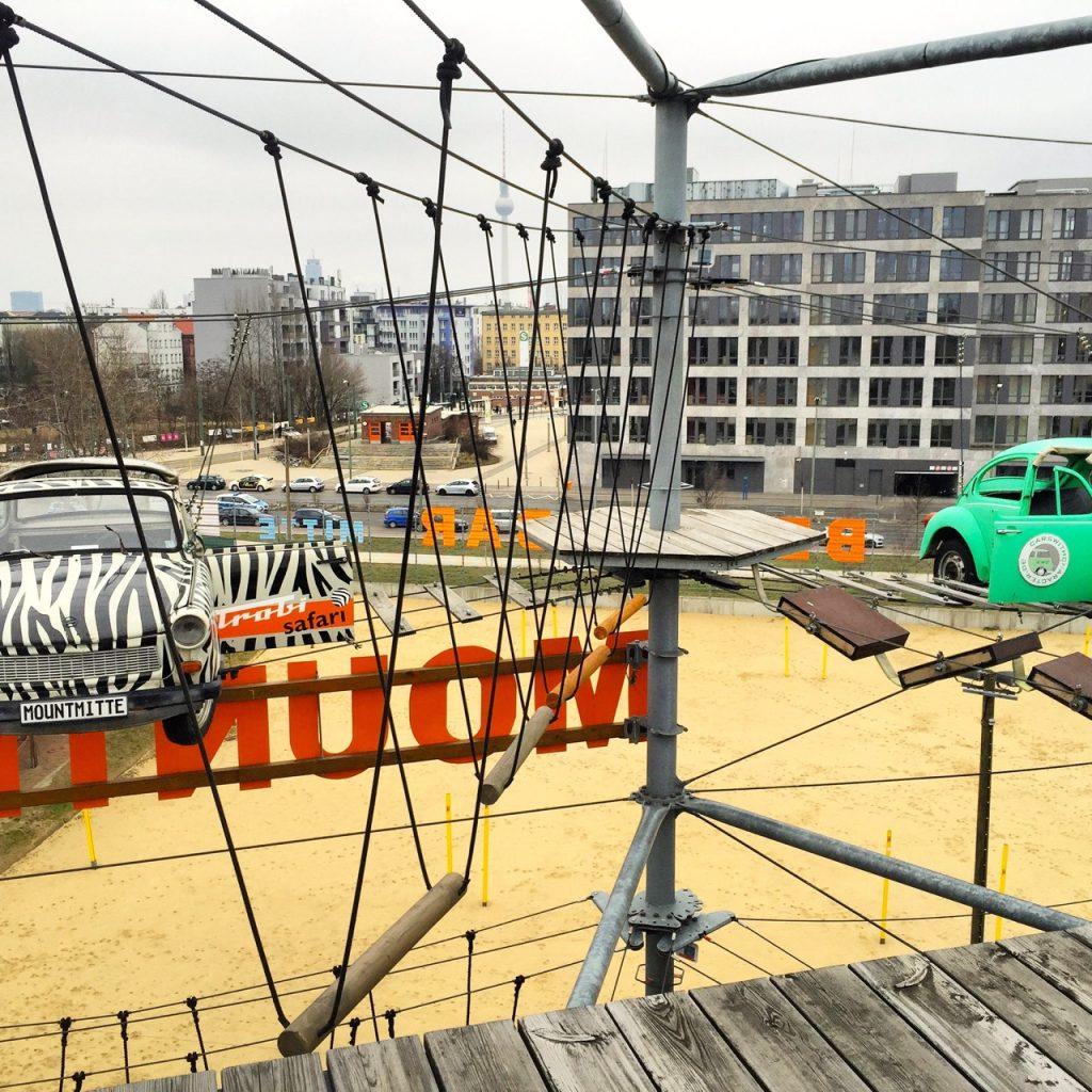 Wohin in Berlin - Blick auf Berlin aus dem Klettergarten