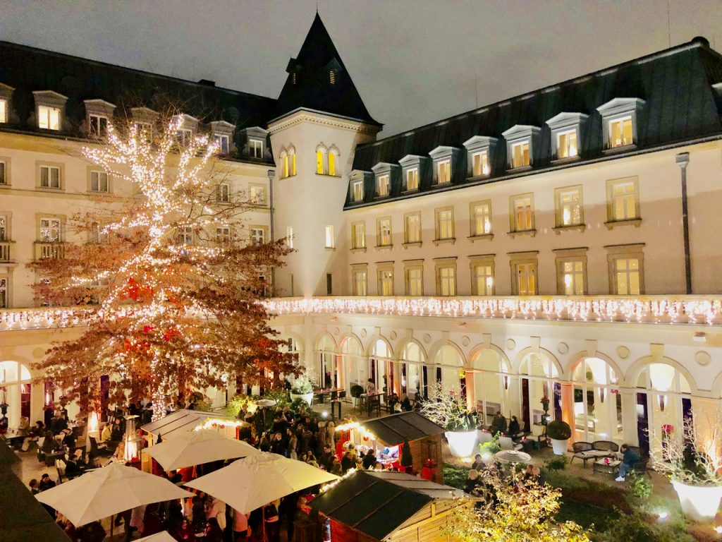 Villa Kennedy in Frankfurt Weihnachtsmarkt