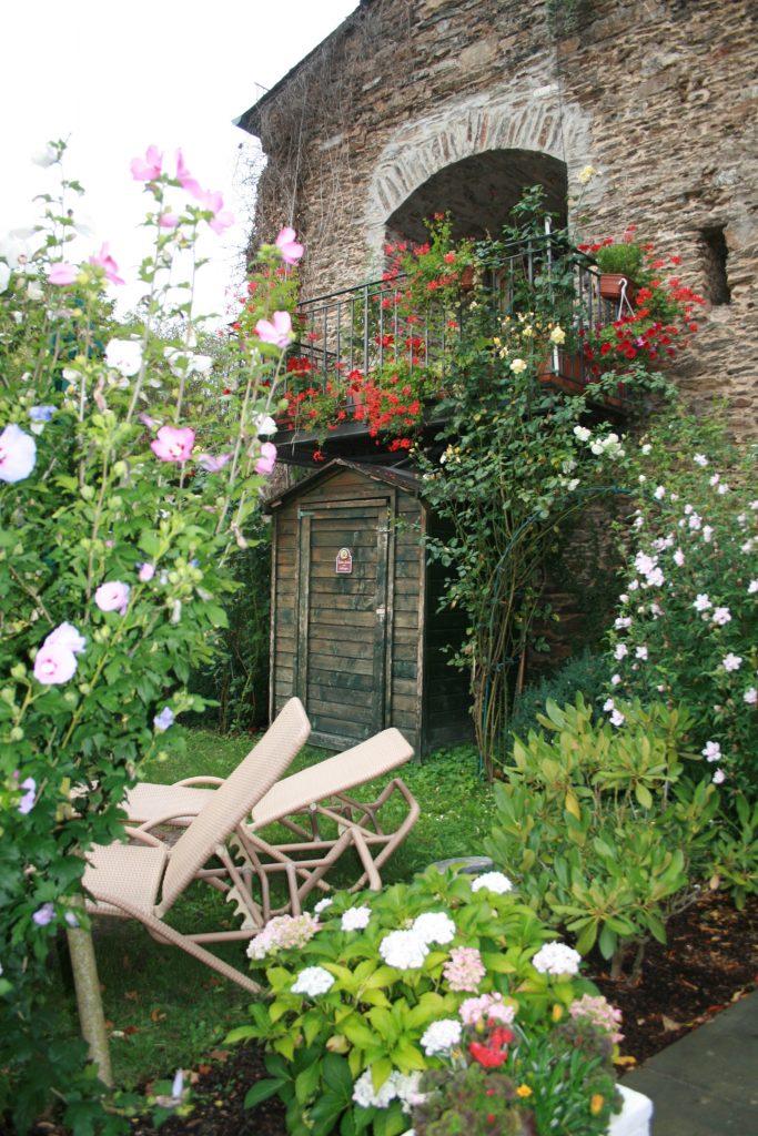 Der Wellness-Garten im Romantik Hotel Schloss Rheinfels