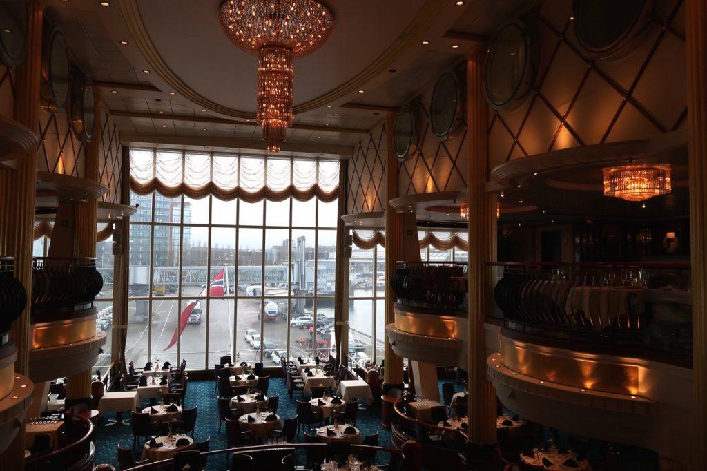 Restaurant Color Line auf dem Kreuzfahrtfaehrschiff