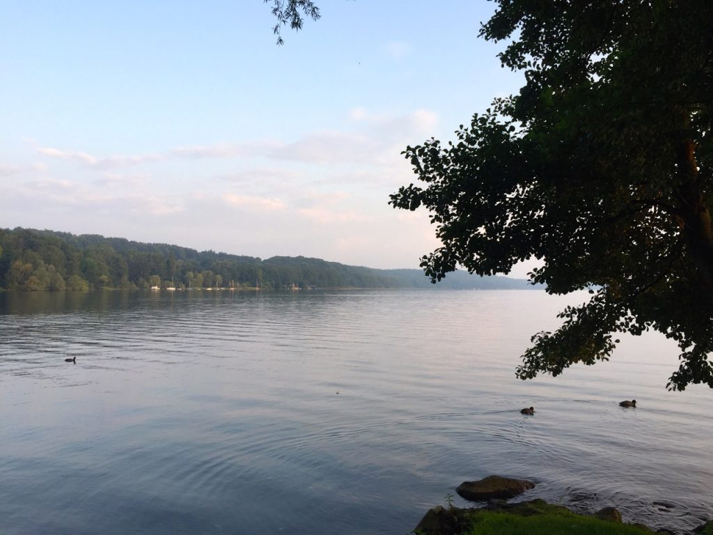 Wandern am Ratzeburger See zum Sonnenaufgang