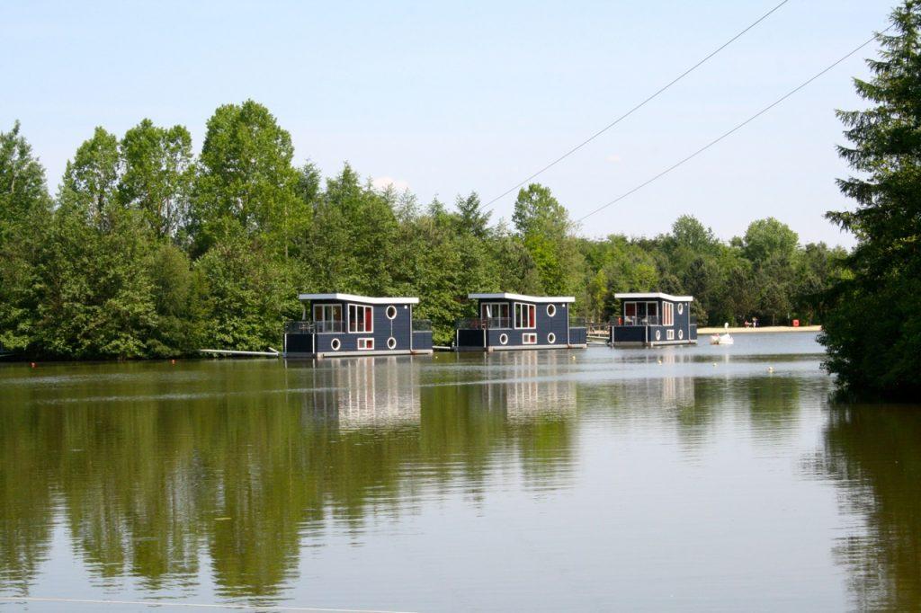 Hausboote im Center Parcs Bispinger Heide