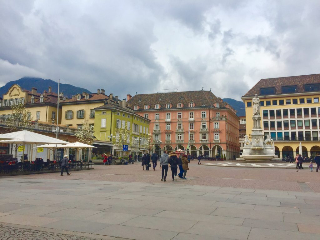 Spaziergang durch Bozen Waltherplatz