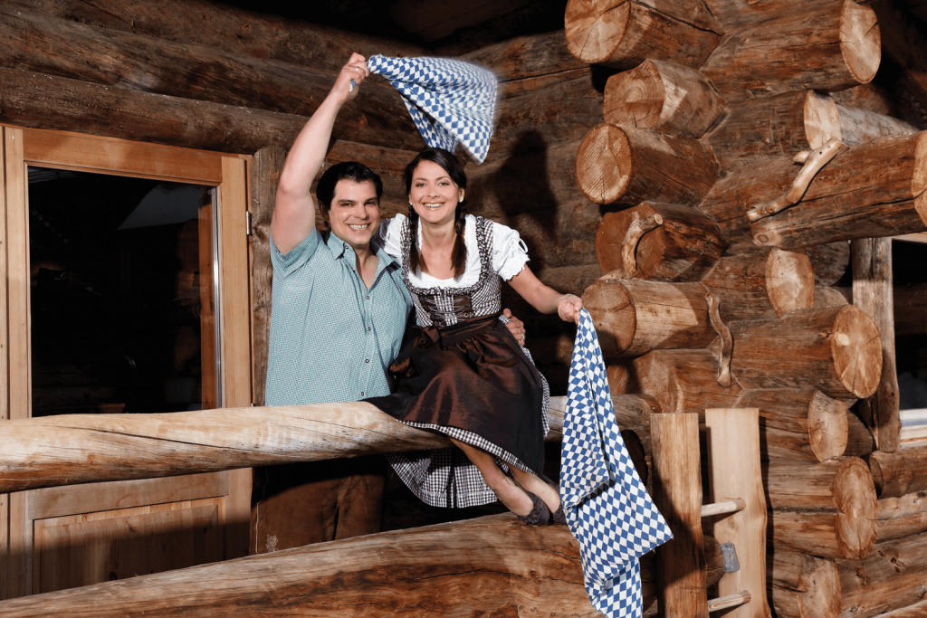 Therme Erding: Aufguss in Tracht
