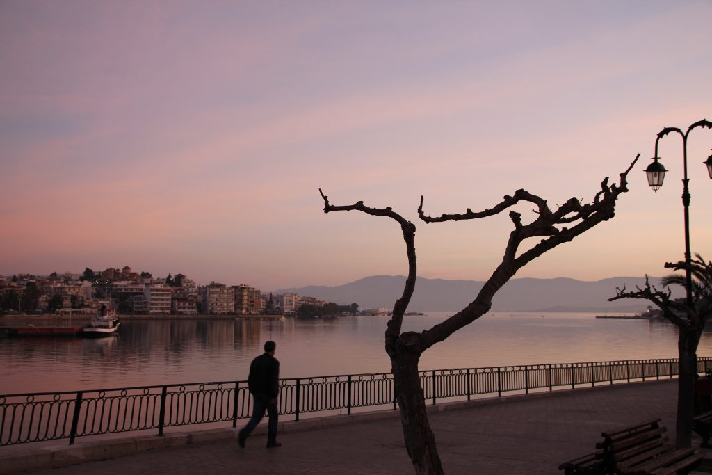 Osterferien Reiseziele - wie wäre es mit Euböa - Chalkida morgens