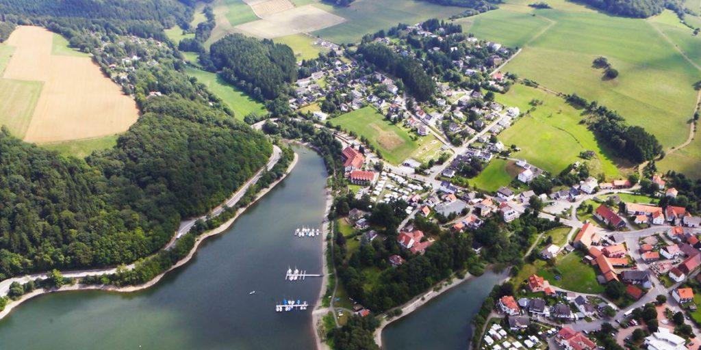 Blick von oben: Diemelsee