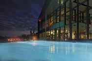 Schwimmende Seesauna & eigenes Thermalwasser